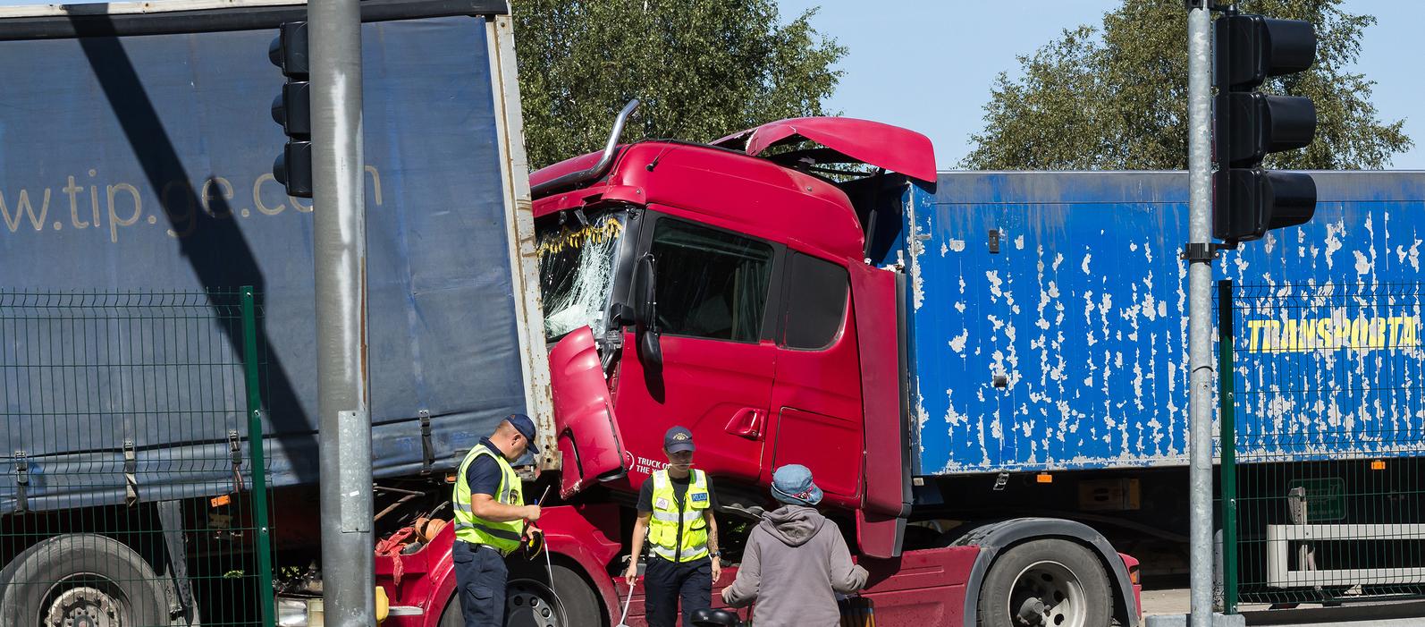 Is a Trucking Accident Settlement Worth More Than a Car Accident?