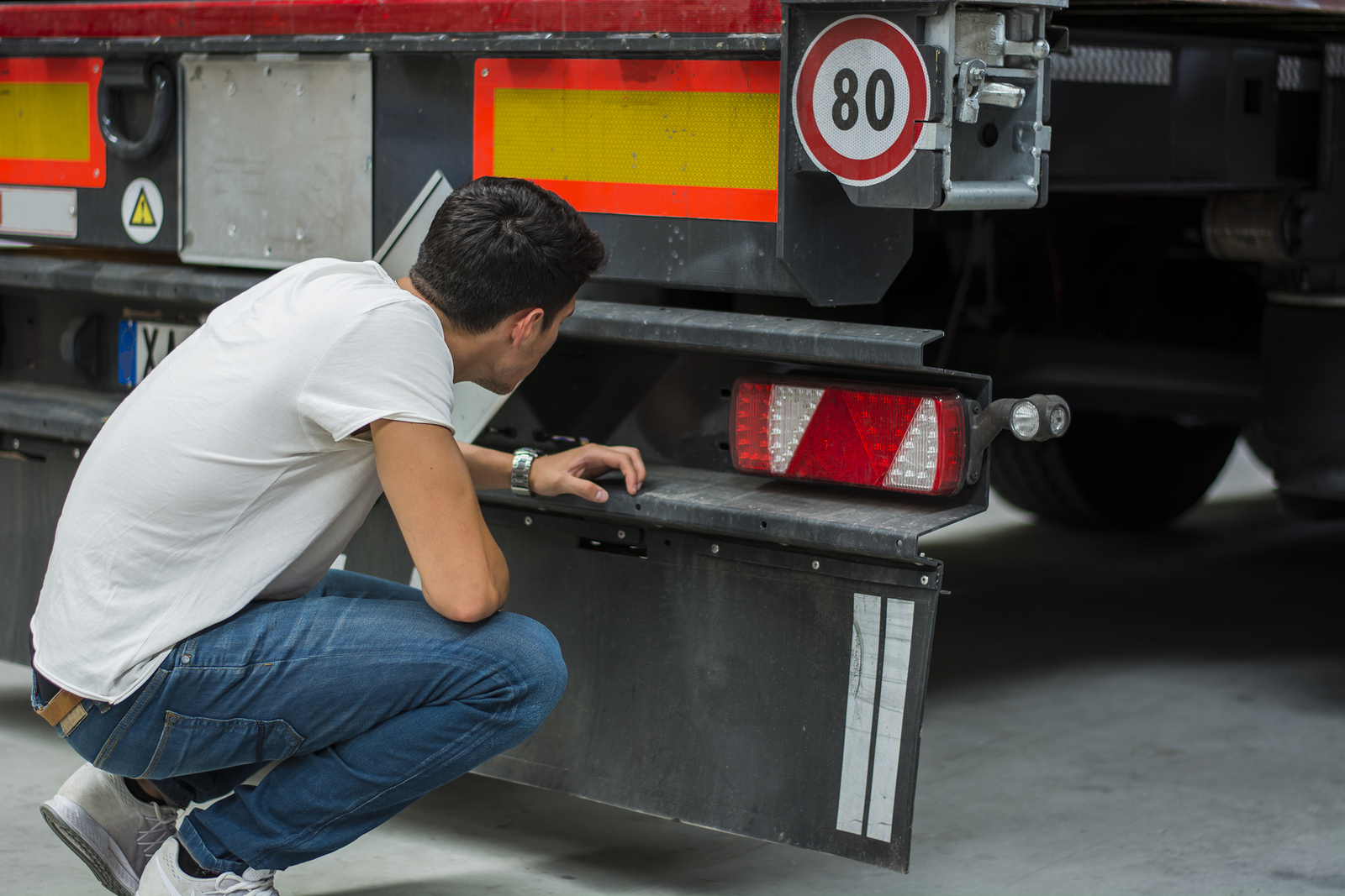 What are Common Causes of Truck Accidents?
